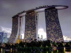 singapore_mbs_from_the_gardens