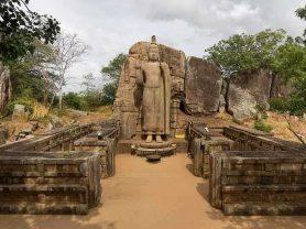 srilanka_buda_de_avukana