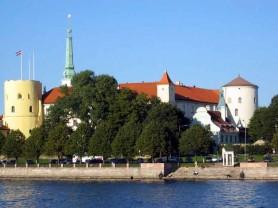 letonia_riga_02_fortress