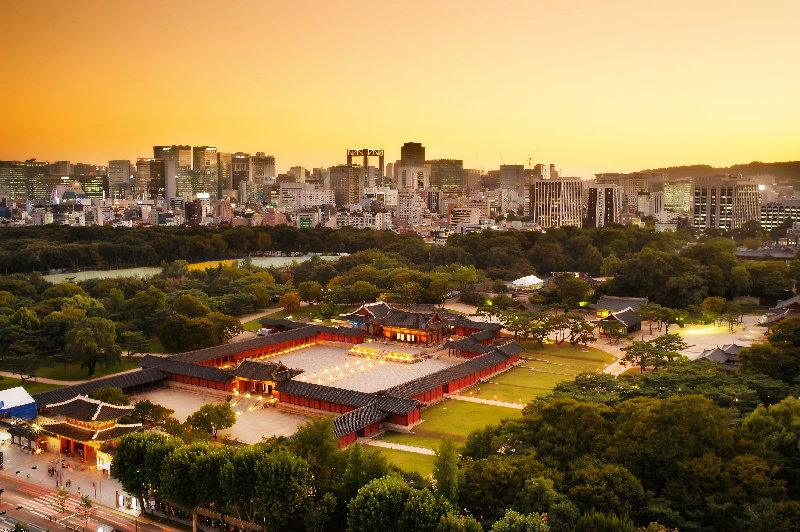 dusk-cityscape-with-seoul-skyline-and-changdeokgung-palace-in-south-korea_cel_tours_2